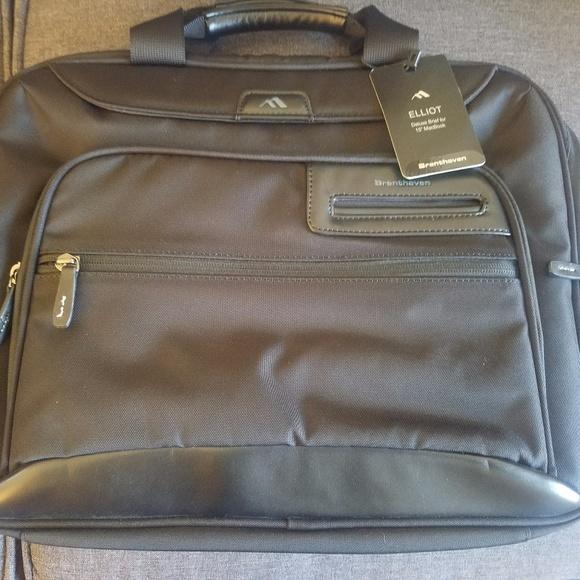 2ebbf8a9d Brenthaven Bags | Elliot Deluxe Brief For 15 Macbooks | Poshmark